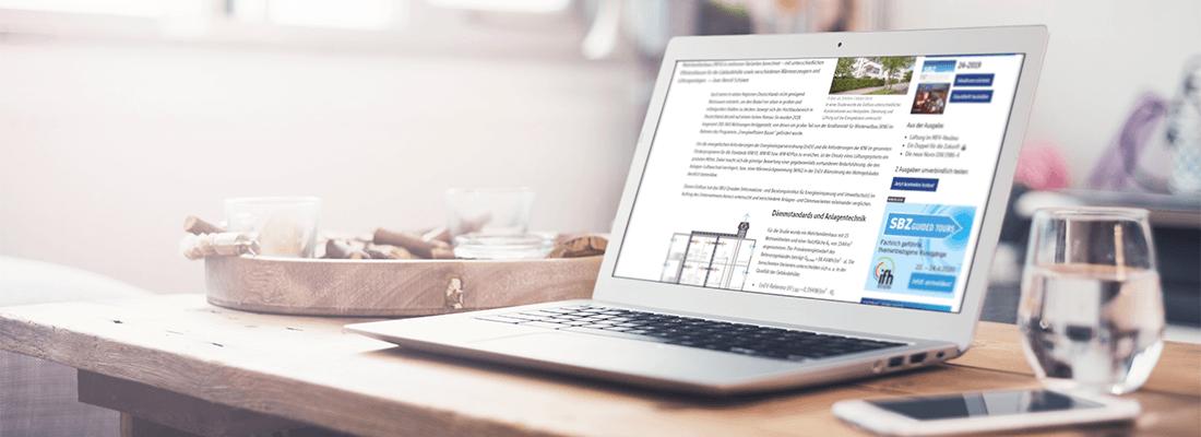 Laptop auf dem Tisch mit geöffnetem Aereco Fachbeitrag